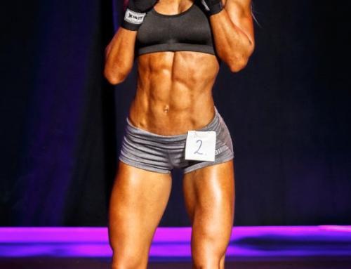 Posing fitnessmodel